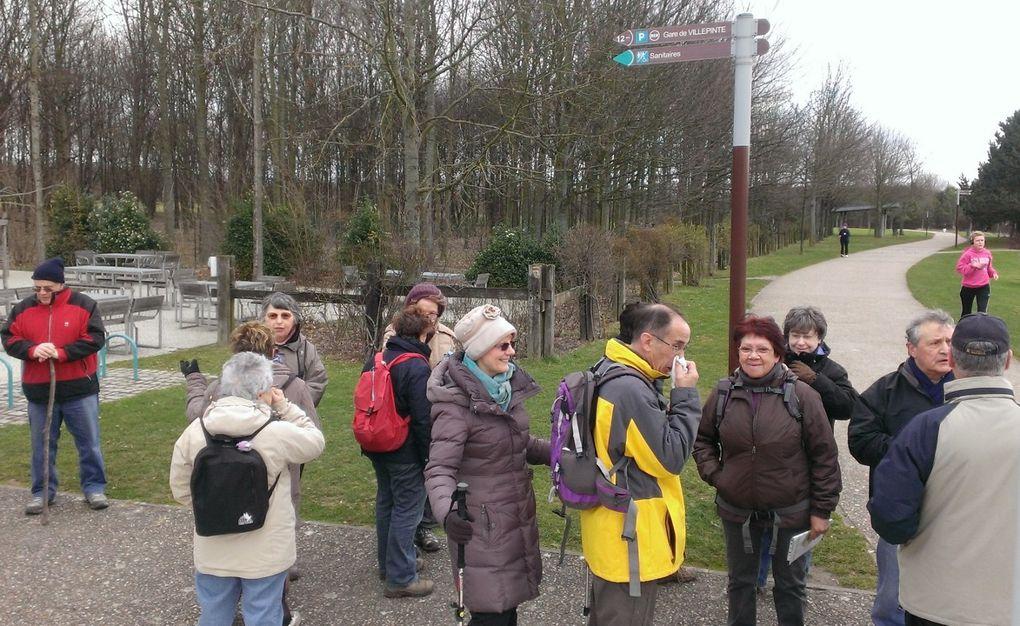 belle marchepar beau soleil et  5°C 24 participants à avoir bravé le vent!Nous avons fait 7kms