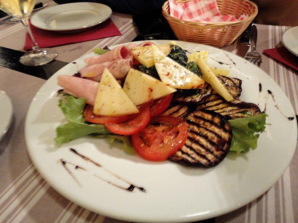Des petites photos de plats tout simples, ambiance bistro (ah beh oui, le homard, c'est quand on aura du flouz! Là c'est plats budget étudiants et tout aussi bons!).