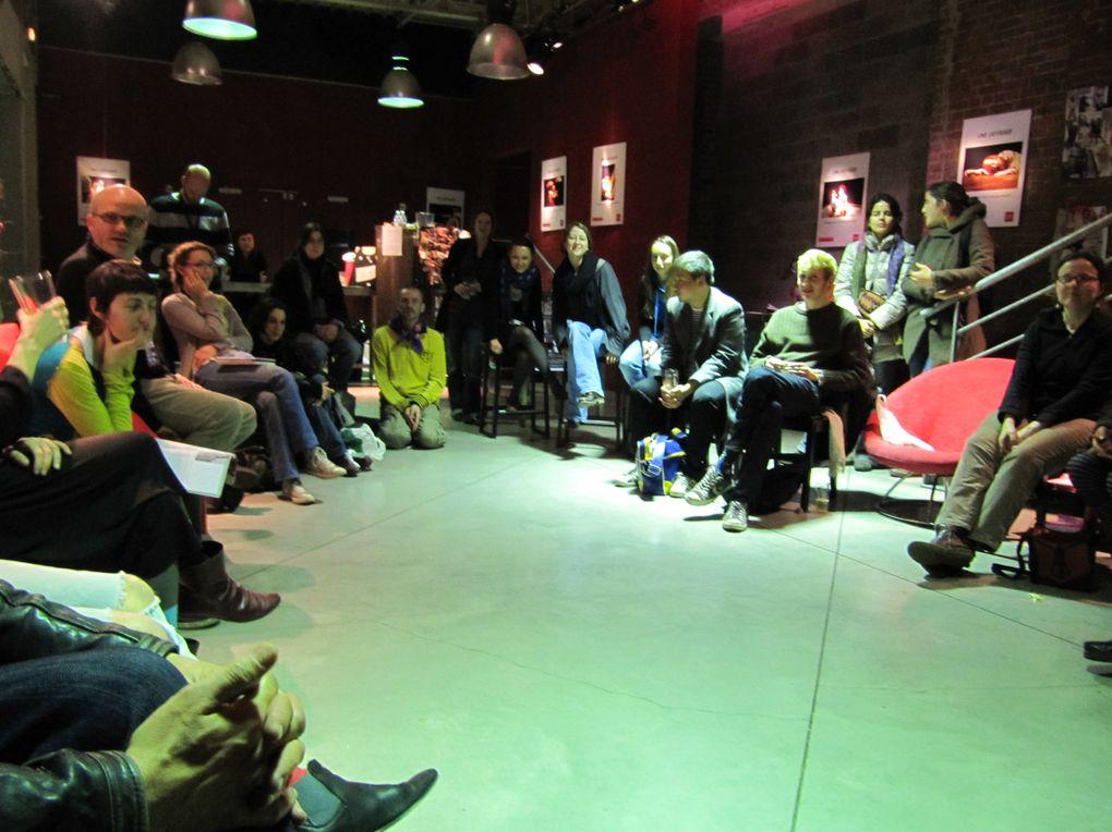"""Quelques images des spectacles, performances et débats du week-end """"Désordres"""" au Théâtre de l'Oiseau-Mouche/le Garage à Roubaix."""