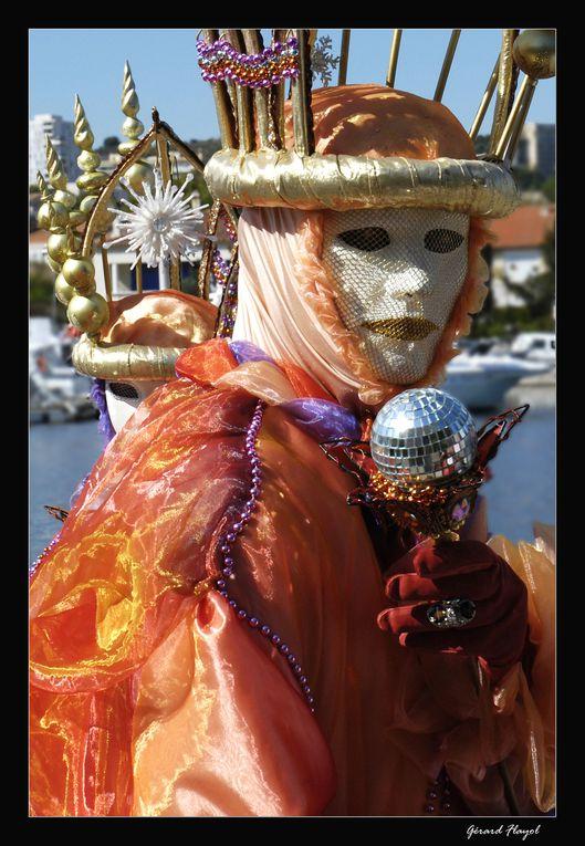Carnaval sur Martigues aussi appelée Venise Provençale en raison de quelques canaux qui la sillonnent.