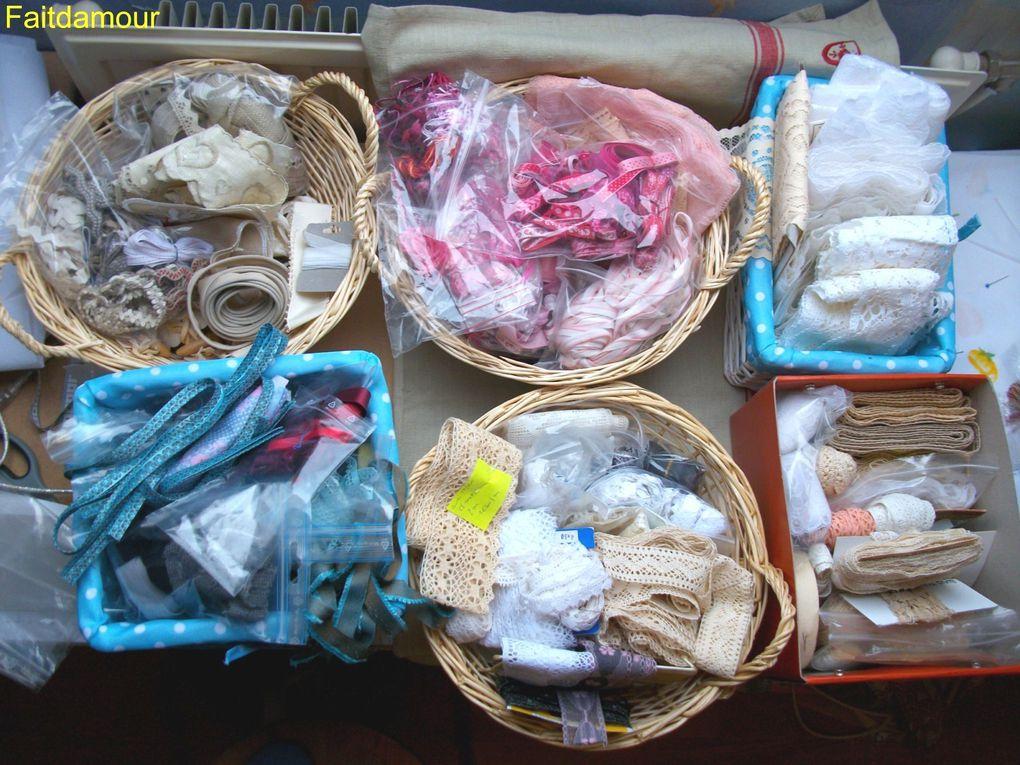 Vous découvrirez ici toutes mes fournitures: galon, dentelle, tissu, peinture...si quelque chose vous intéresse n'hésitez pas à me contacter (même pour un échange): faitdamour@live.fr