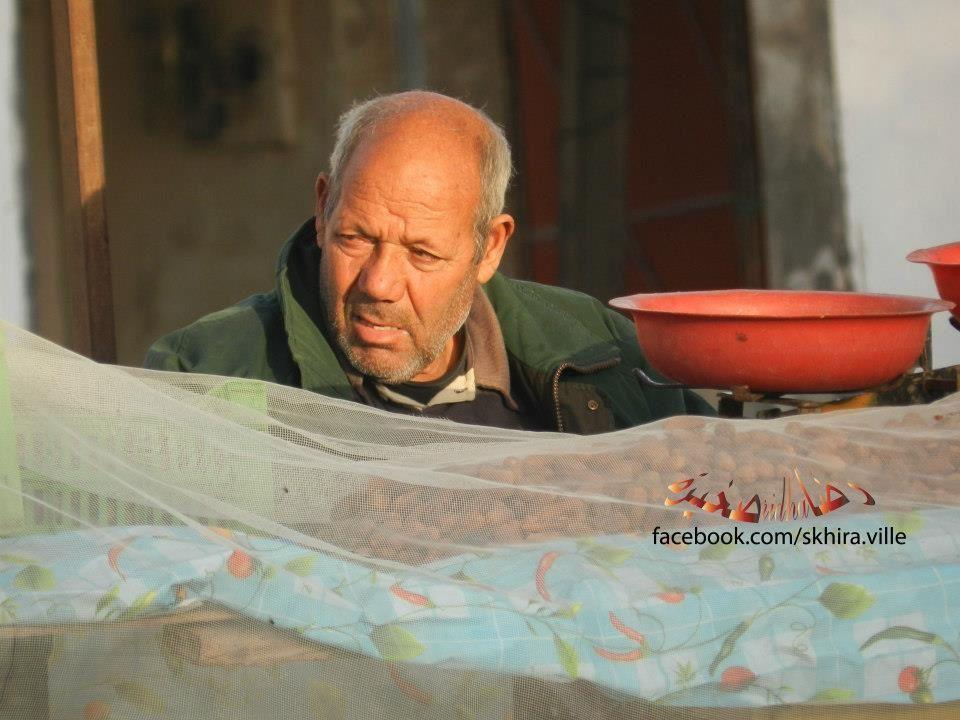 الموعد الاسبوعي والهام بالصحيرة' يوم لقاء و تبادل راحة اسضا للكادحين من فلاح و عامل les souks à skhira,