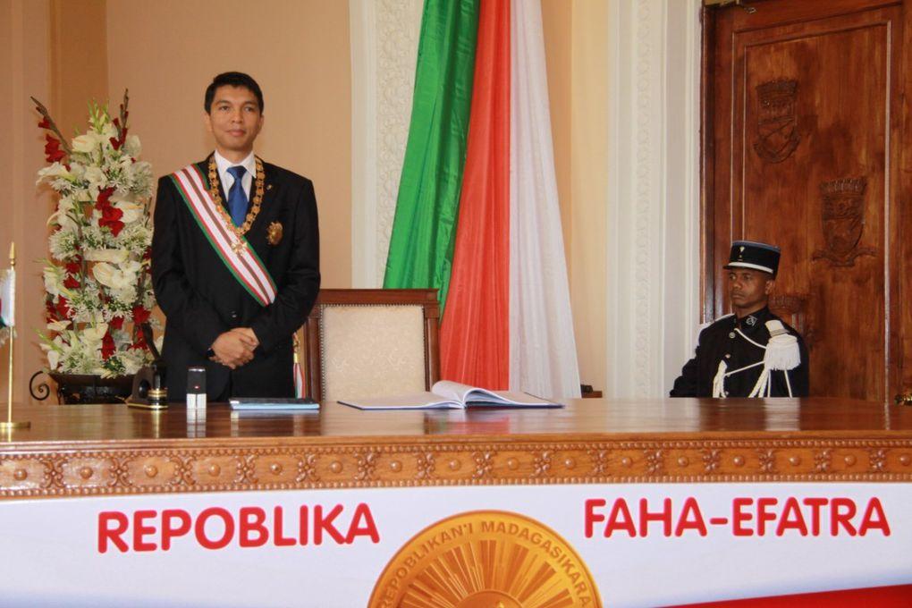 11 décembre 2010, Palais d'Etat d'Iavoloha. Déclaration officielle de l'Avènement de la IVè république de Madagascar par le Président Andry Rajoelina. Photos : Serge R.