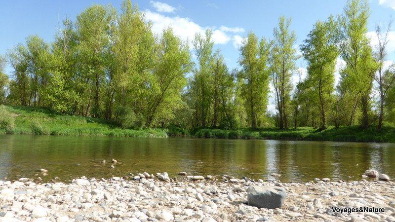 En 2014, nous avons descendu la Loire en camping-car, au plus près du fleuve, depuis la source jusqu'à l'estuaire.
