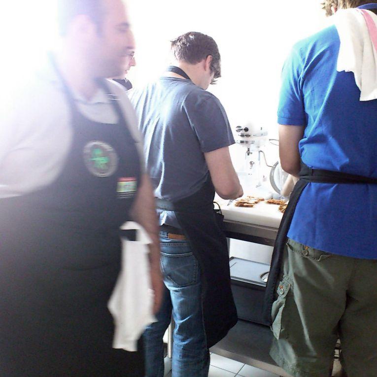 L'atelier d'hier dimanche 1er juillet, organisé chez Pré-en-Bulles a Trèpail, a eu le plaisir d'accueillir 10 Parisiens, l'excuse un enterrement de vie de garçon. Donc nous avons reçu et organisé un atelier de 3 heures suivi d'un re