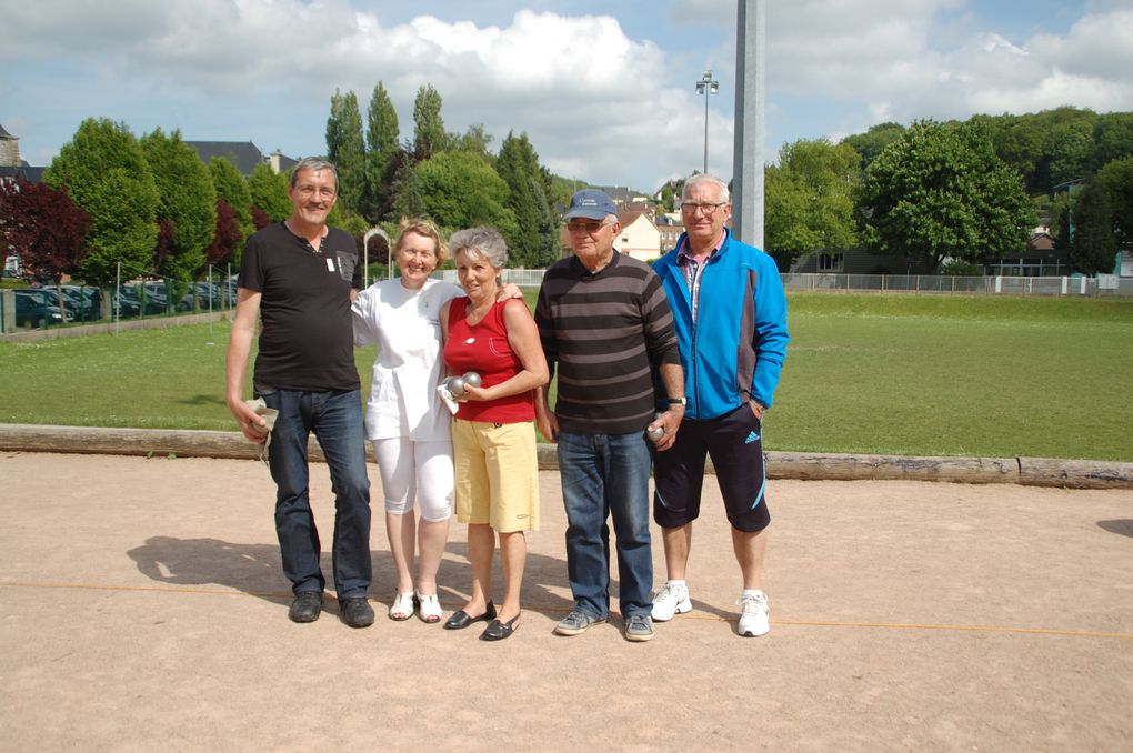 Album - Petanque-barbecue-et-space-d-or
