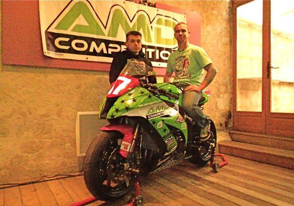 Deux Angériens vont courir le Bol d'Or le 14 avril 2012. Présentation de la moto : photos du 6.04.2012 de Philippe Michel et Bernard Maingot