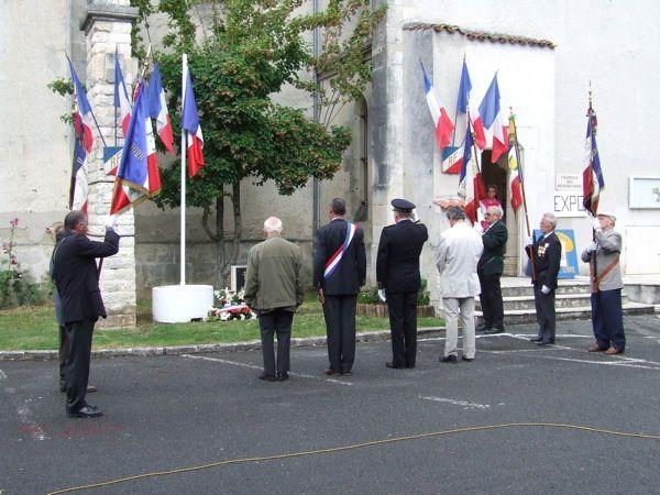 Cérémonie du 18 juin 2011 commémorant l'Appel du général de Gaulle sur les ondes de la BBC, le 18 juin 1940