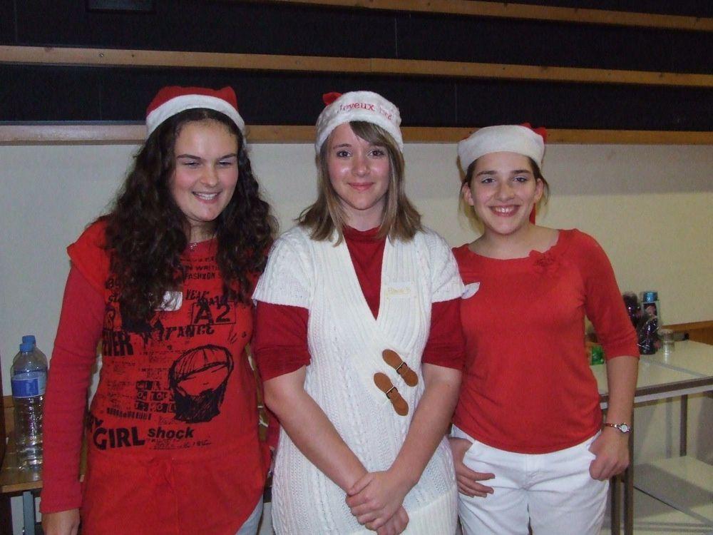 les élèves en seconde ASSP (Accompagnement soins et services à la personne) du lycée Louis-Audouin-Dubreuil ont organisé un Noël pour les enfants du personnel, mercredi 14 décembre 2011