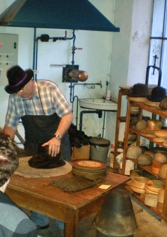 Fabrication des chapeaux de feutres à l'ancienne et collection de chapeaux