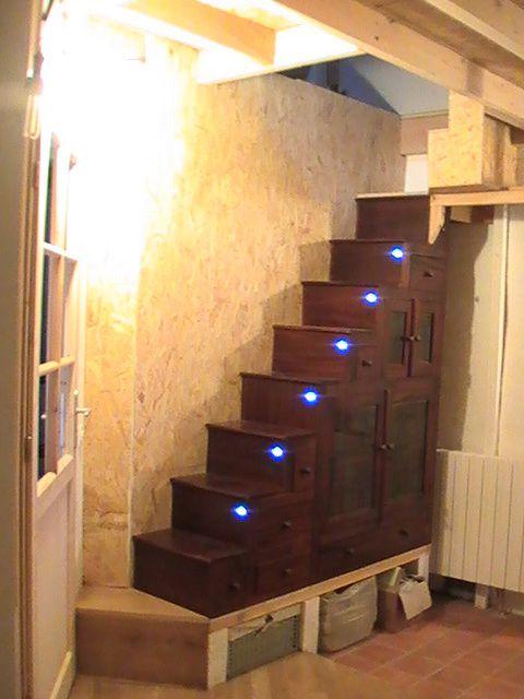 Réalisation de l'accès à la mezzanine et aspects de celle-ci.