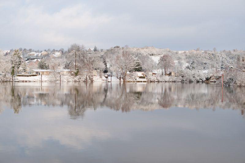 Navigation de Paris à Rouen, en plein hiver, à bord d'un catamaran Lagoon