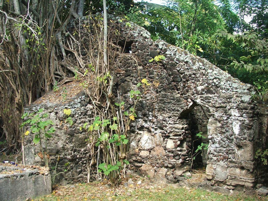 La mosquée de Polé en Petite-Terre est la mosquée ancienne la mieux conservée de Mayotte.