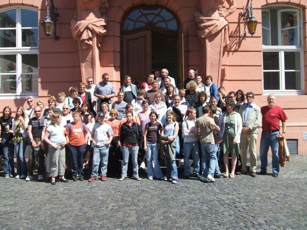 La Colombe du 50e // est un échange franco-allemand. La première rencontre eu lieu en juillet 2004 à Maurepas. L'année suivante se fut à Erbes Büdesheim. Chaque année nous alternons le pays d'accueil entre l'Allemagne et la France.