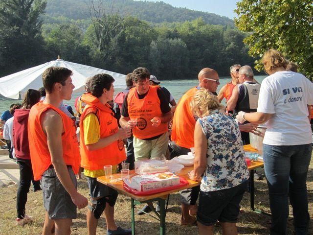L'occasione è stata delle migliori, 21 ottobre Adigemarathon 2012, la famosissima discesa del fiume Adige competitiva e non, ha visto il varo ufficiale della canoa per tre persone battezzata Goccia Rossa con i colori dell' Avis Settimo