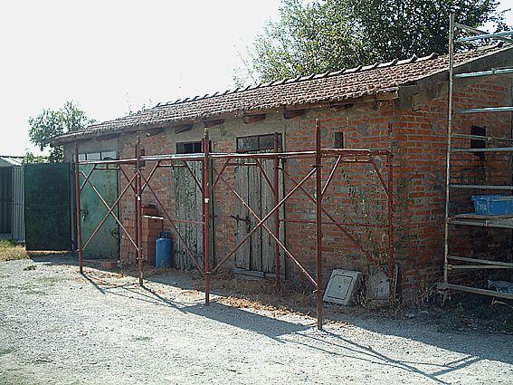 Ampliamento e ristrutturazione di villa padronale e edifici di servizio a Villafontana (BO) -2005/2010-