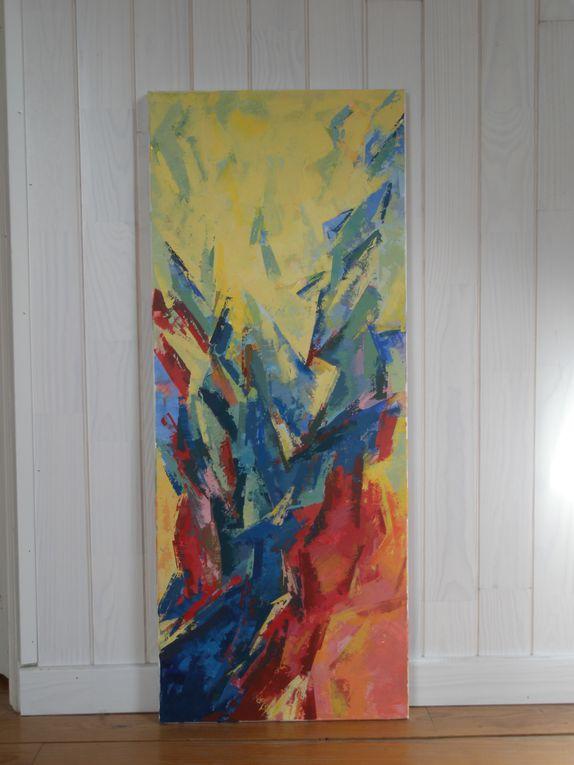 C'est le chemin , le laboratoire d'esquisses jusqu'à la toile qui est intéressant .Infini , intériorité , rondeur , intuition , fugacité   autant de thèmes traités librement ou avec contrainte ..