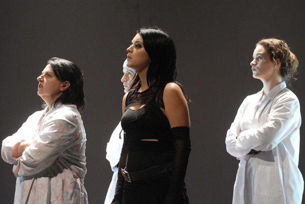 Voici les photos de la pièce Forêts telle que l'a mis en scène Wajdi Mouawad.
