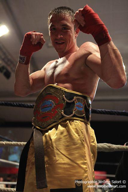 Boxe in défi XIIITitre de champion d'Europe des -65Kg (10x2)Bertrand FLEURET vs Miroljub NEDELJKOVIC
