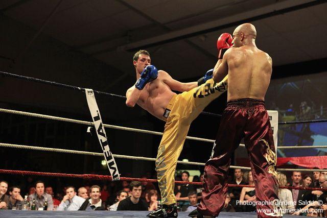 Boxe in défi XIIIFinale du tournoi des -76Kg (4x2)Yannick TAMAS vs Karim GHAJJI