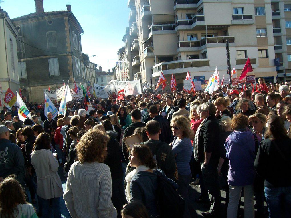 Grève pour les retraites, le même jour le bureau de Saint-Gaudens était réorganisé selon la seconde vague de facteur d'avenir (19/10/2010).