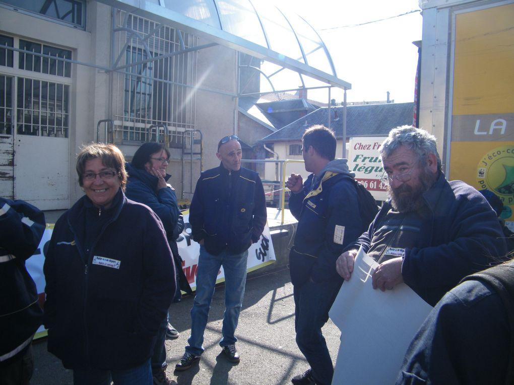 A l'appel de notre section Comminges et de Sud, les postiers ont répondu en grande majorité présents pour ce rassemblement de protestation contre la stratégie de La Poste. Les facteurs d'Aspet, Montréjeau, St Martory, Barbazan, Luchon et St-Gaud