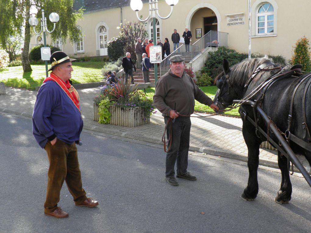La Confrérie des Fins Goustiers participe à des fêtes locales ou régionales. Ce deuxième album va d'octobre 2012 à fin août 2013.