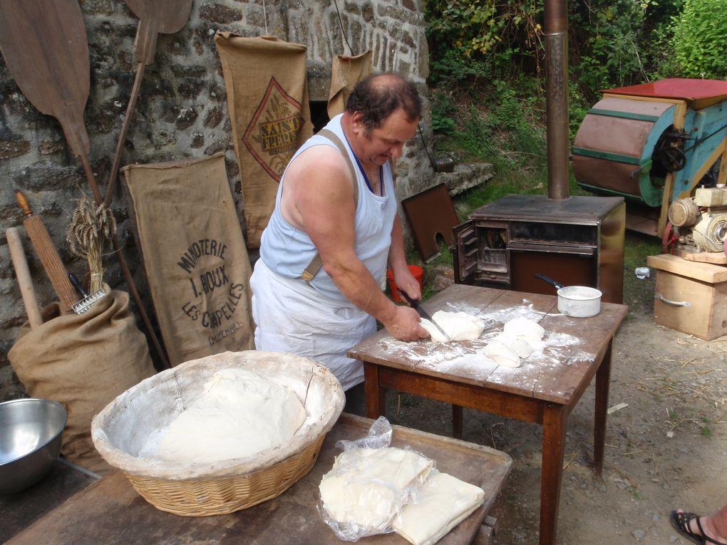 Le 22 août 2009, sur le domaine de Trotté, commune de Saint-Pierre-des-Nids, la Confrérie participe à la fête des métiers d'autrefois. l'organisation d'une fête des métiers d'autrefois qui rencontre un vif succès.