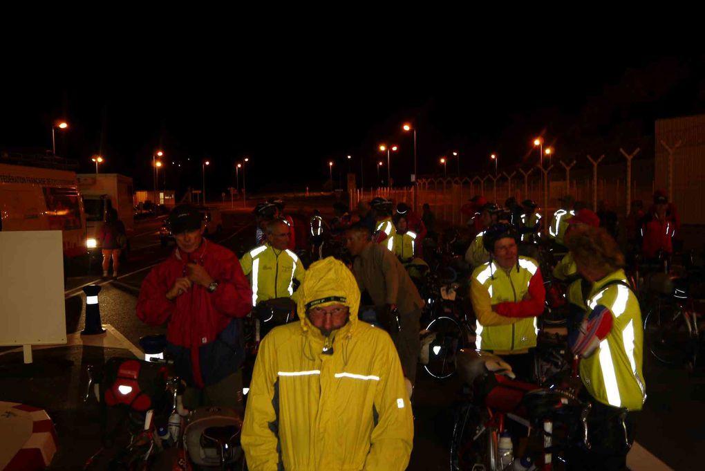 Photos prises en France au cours de l'expédition vélo Pékin Paris Londres 2012. Entrée en France en Alsace à Fessenheim, puis étapes à Kingersheim, Vesoul, Langres, Troyes, Provins, Paris, Doudeauville et Dieppe.