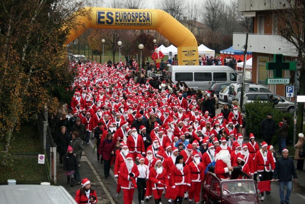 Santa Klaus Running, Christmas Run, Corsa dei Babbi Natale: una piccola review di foto, in cui fa la parte del leone la SKR  (Santa Klaus Running) di Belluno, alla sua 7^ edizione