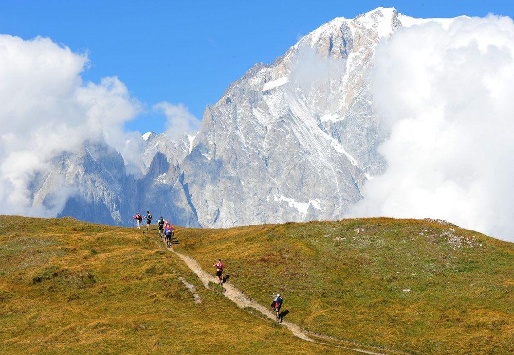 Le foto sono state gentilmente rese disponibili alla stampa dall'organizzazione del The North Face® Ultra-Trail du Mont-Blanc® (10^ ed.).Sono immagini belle ed emozionanti. Alcune profondamente suggestive: tutte, da quelle della folla di atleti ch