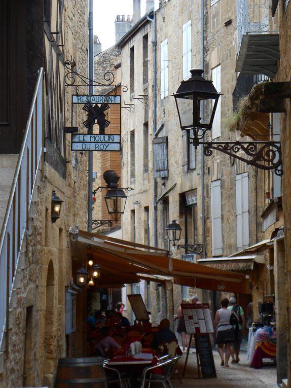En passant par le Gouffre de Padirac&#x3B; Sarlat&#x3B; Rocamadour...