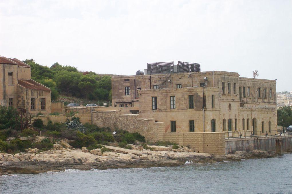 La Valette était une place forte stratégique, construite sous la menace ottomaneEt c'est de la mer, lors d'une croisière dans le port, qu'oncontemple le mieux ses fortifications…