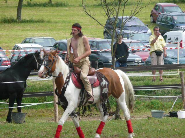 Absolument a voir lors des Festivals, impressionant la souplesse des Cavaliers et la maîtrise avec la vitesse du Cheval en plus !!!!Bravo a vous les Indians Warriors