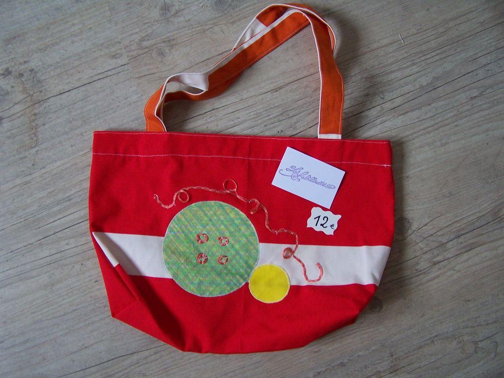Accessoires fabriqués à partir de tissus de récupération, en vente par correspondance.