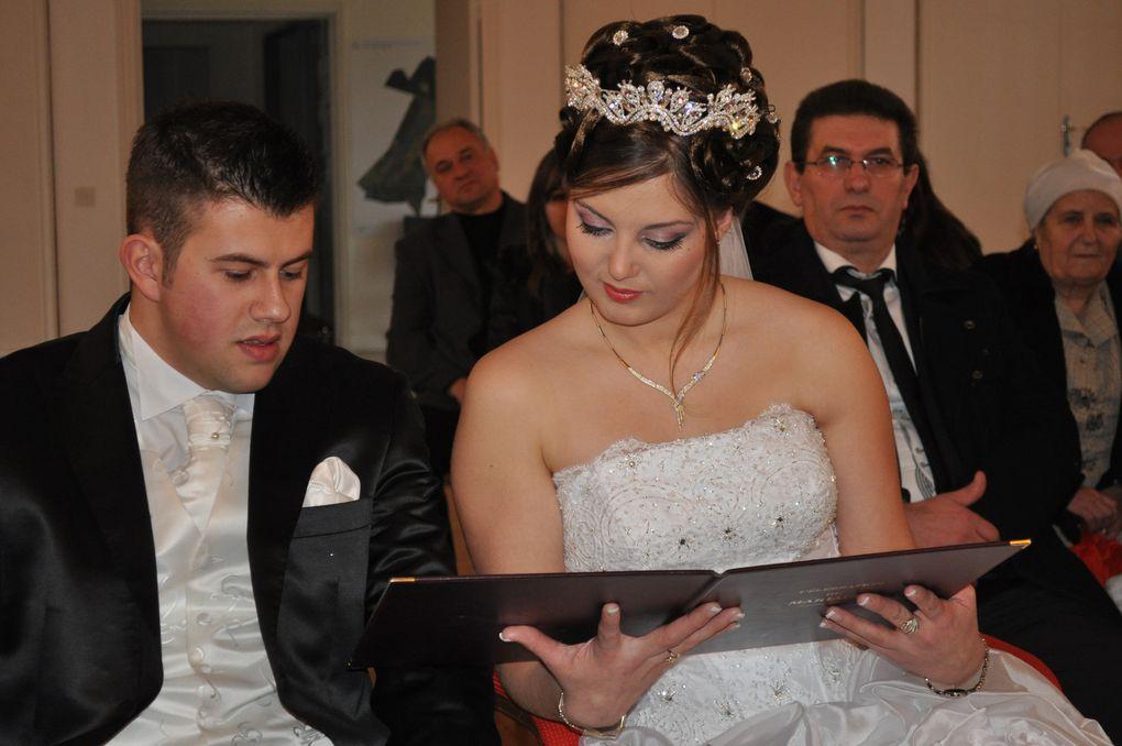 Un mariage magnifique, une mariée sublime, un marié des plus adorable dans une ambiance Albanaise avec des chants et des danses traditionnels.