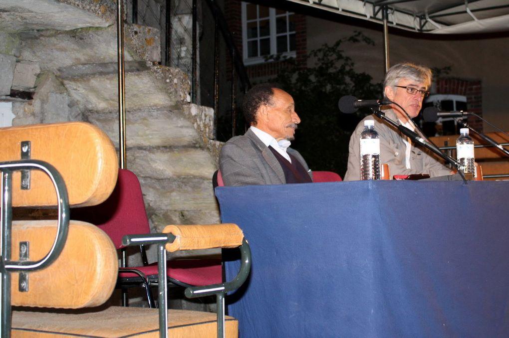 Les photos de la conférence de Pierre Rabhi sur « L'agroécologie au service d'un mode de vie plus respectueux des hommes et de la terre » animée par Philippe Bertrand de France Inter.Mercredi 14 septembre 2011 à 20h30 dans la Cour d'Honn