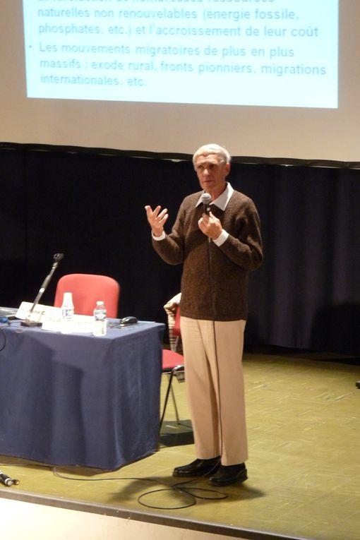 """Soirée débat COMMENT LE BIO PEUT NOUS SAUVER ? par Marc Dufumier / organisée par le comité de soutien """"BN for ever"""" le 10 octobre 2012 à la Bergerie Nationale de Rambouillet"""
