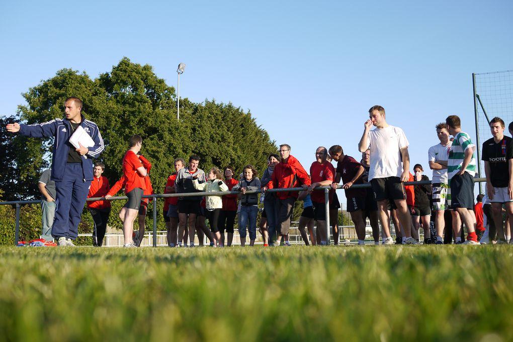 rencontre inter-sport, organisé le 20 mai 2011, entre les équipes de volley-ball, de football, de badminton et les coureurs du CAC.