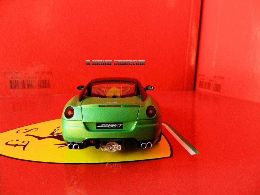Ferrari 599 Hy-Kers 1/43 BBR avec présentoire de salon