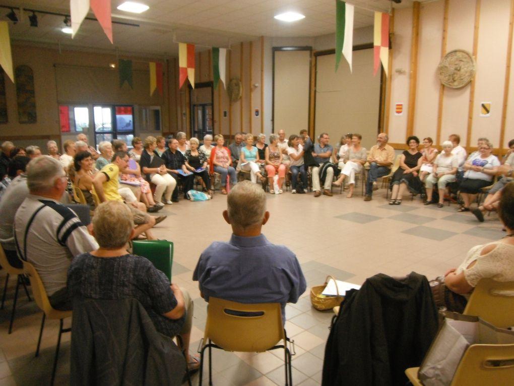 60 personnes à la veillée patois du mardi 6 août 2013.