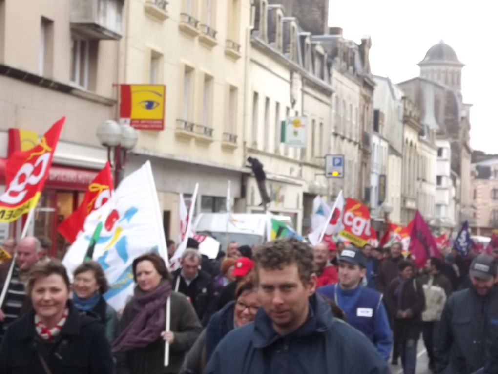 Action nationale Fonction publique : photos de la manifestation cherbourgeoise suivie d'un forum