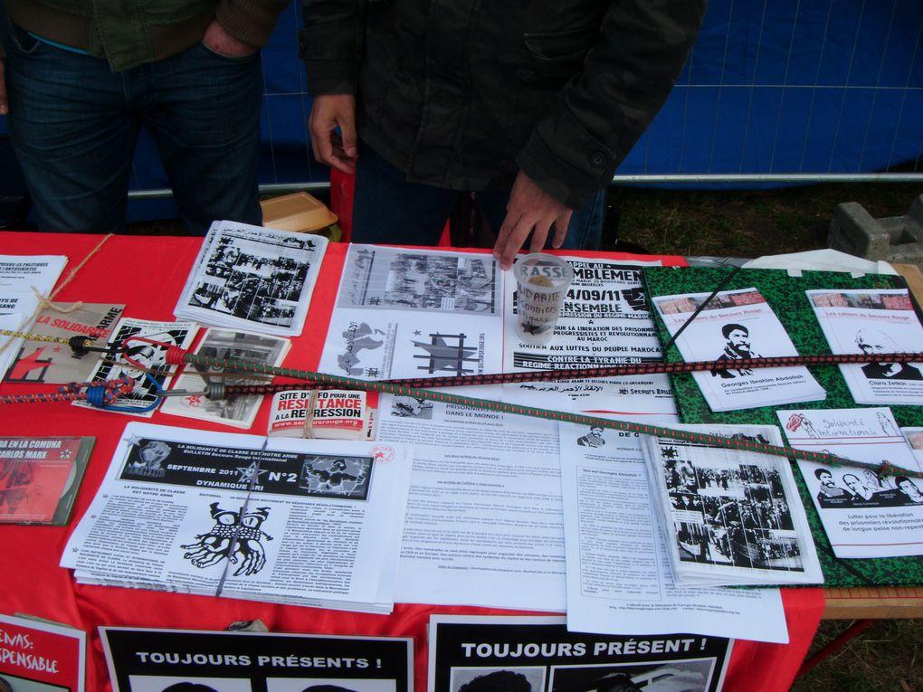 Stand du SRI sur le site de la Fête de l'Humanité 2011 (allée CHE GUEVARA) avec le stand du Collectif de Soutien à Georges ABDALLAH.