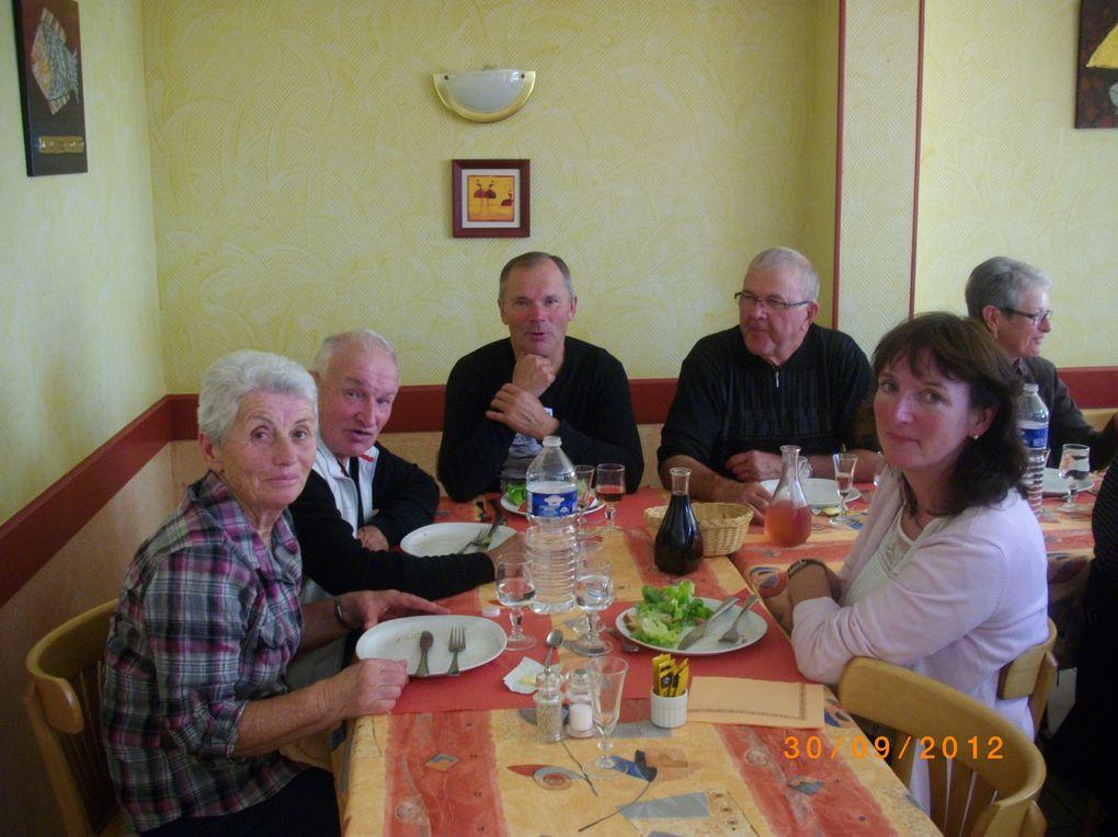 SORTIE FAMILLE LE 30 SEPTEMBRE 2012 SUR LA VOIE VERTE DE LAURENAN A  ST-MEEN-LE-GRAND