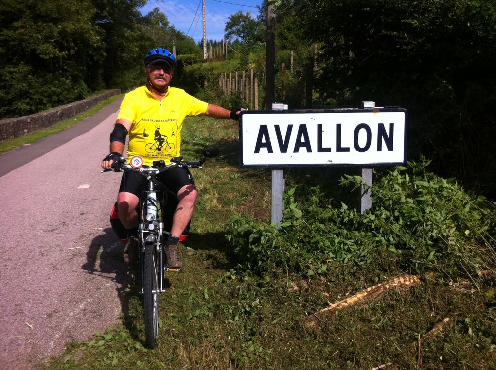 Album - Jour 11 : Avallon