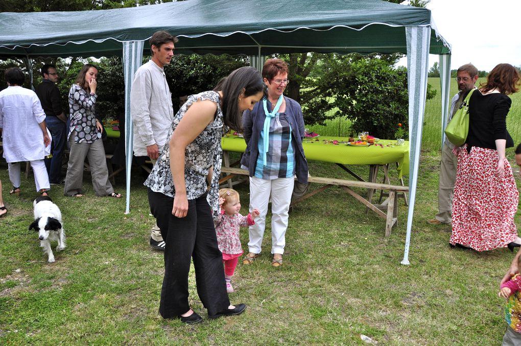Notre fête du 12 juin 2011,  un très bon souvenir entourés de notre famille et de nos amis. Malgré le temps incertain, nous avons passé une bonne journée