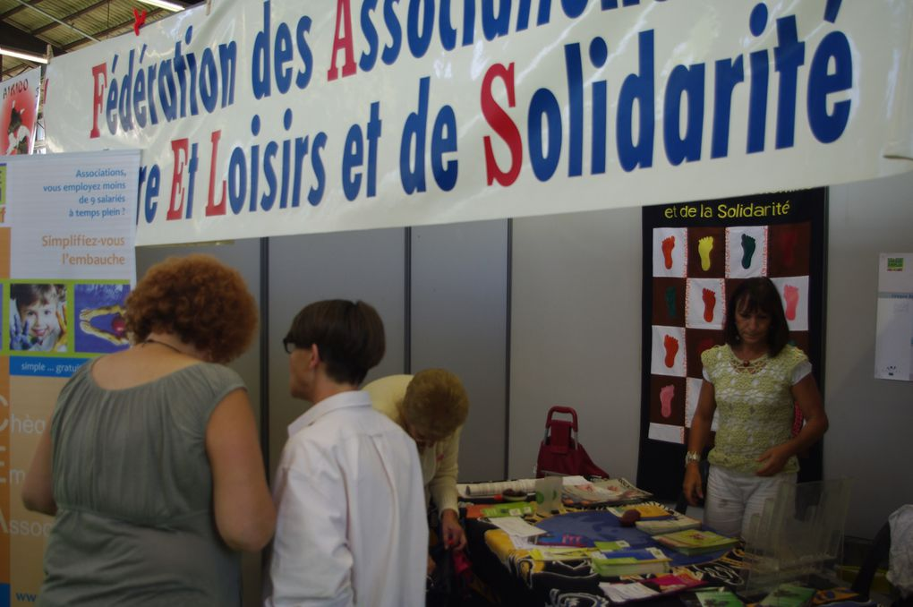 Stand de la FACELS au Village des associations Hall Mendès-France 3 et 4 septembre 2011