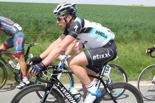 Rosskopf…un américain à BeaurainsL'Américain Joey Rosskopf (Hincapie Sportswear Development Team) a remporté en solitaire ce samedi la 1ère étape du Paris-Margny-Arras Tour (2.2), courue sur 179.3 kilomètres entre Margny-les-Compiègne et