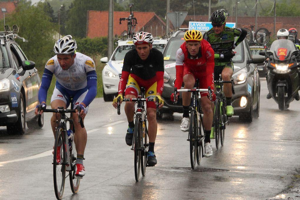 Encore une fois Arnaud Démare (FDJ.fr) s'est imposé au sprint devant Jonas Ahlstrand (Giant-Shimano) et Tom Van Asbroeck (Tosport Vlaanderen -Baloise).Crédit-Photos JM Hecquet