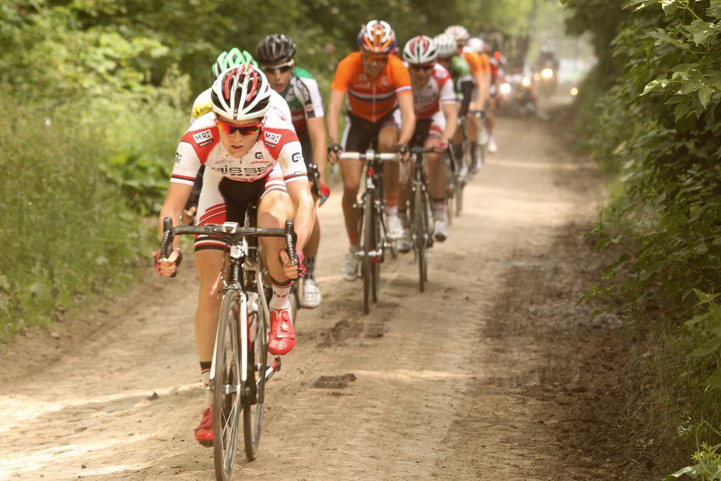 Paris-Roubaix Espoirs 2014 / 47ème édition : Mike Teunissen (Rabobank Development Team) en solitaire - Dimanche 1er juin 2014 Crédit-Photos de Jean-Marc Hecquet